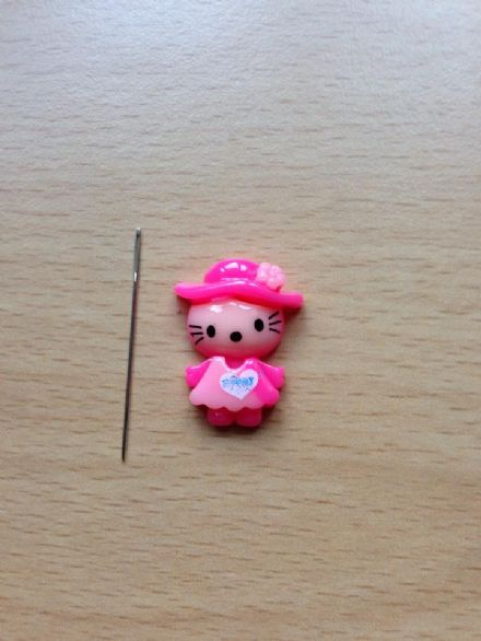 Happy Kitty Needle Minder - Blurred, Pink